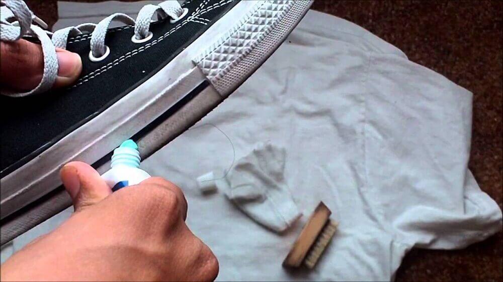 牙膏與擦鞋