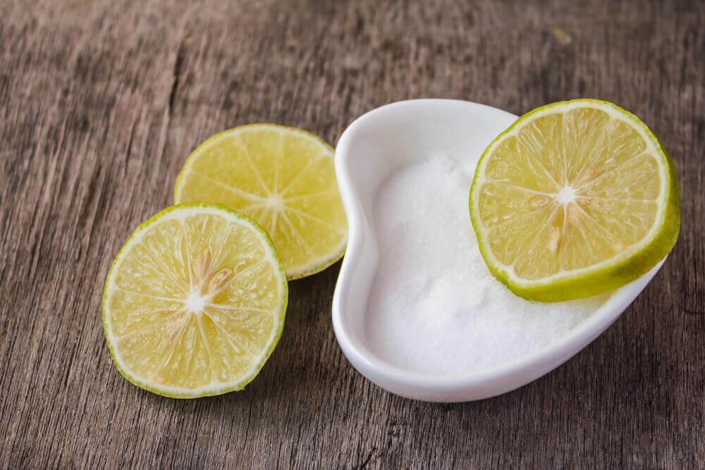 牙齦炎 鹽和檸檬