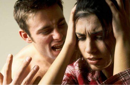 你該注意的五種精神虐待的後果