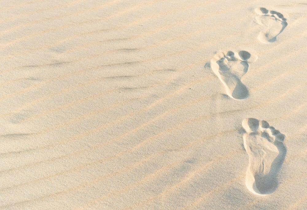 沙中的腳印