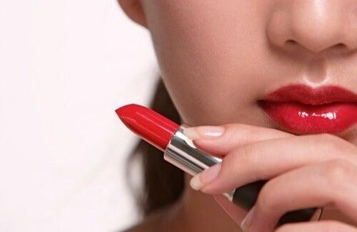 停止使用這些有害健康的美容產品!