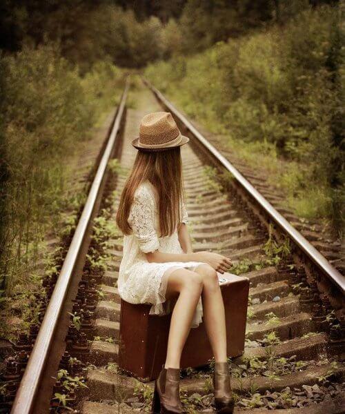 鐵軌上的女孩