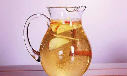 肉桂水搭配蘋果和檸檬減重:非常健康!