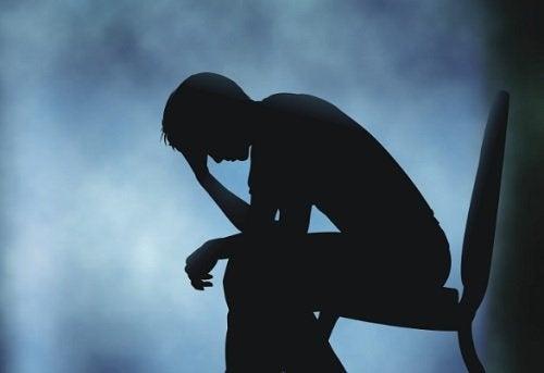 悲傷會對身體造成哪些生理影響?