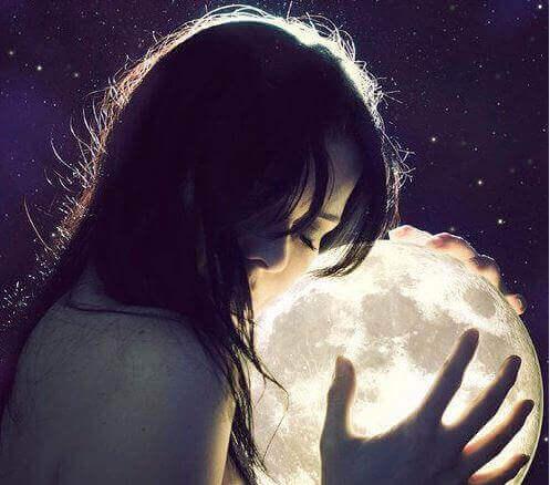 2 女人與月亮