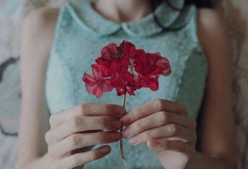 2 女人與花
