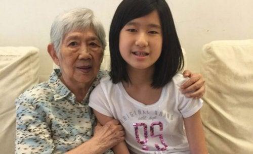 12歲小女生開發手機軟體跟失智症奶奶溝通