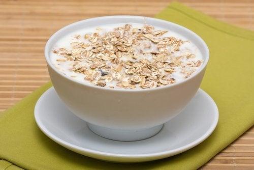 試試這種防止腹脹的燕麥茶