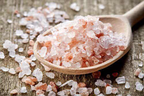 用喜瑪拉雅玫瑰鹽治療偏頭痛