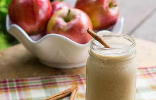 促進小腹平坦的四種蘋果奶昔