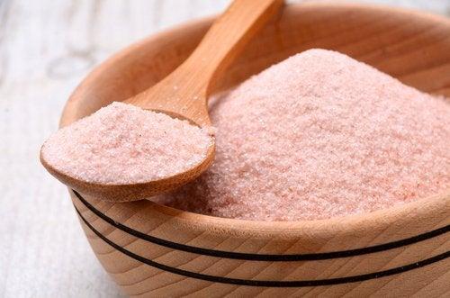 喜馬拉雅玫瑰鹽和食鹽的差異