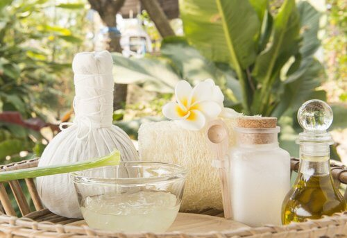 蘆薈和椰子油乳液