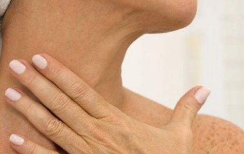 消除頸部皺紋的5種自然療法