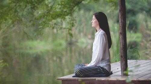 用這5種超有效的呼吸技巧與失眠道別吧!