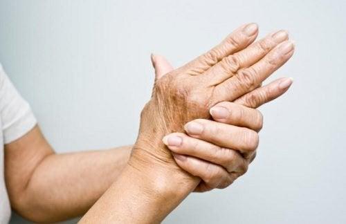 六種治療關節炎的精油