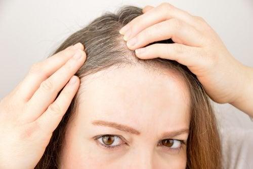 用這六種草本植物和香料促進頭髮生長