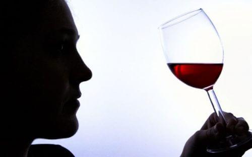 酒精成癮的6個徵兆