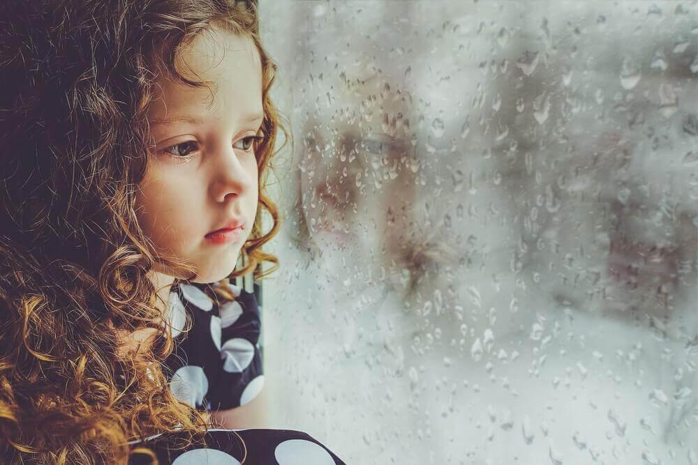 缺愛的孩子長大後會有什麼影響?