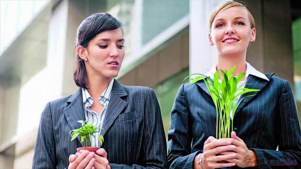 女人和植物