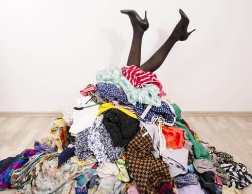 沒衣櫥嗎?沒問題!把衣服整理好的7妙招
