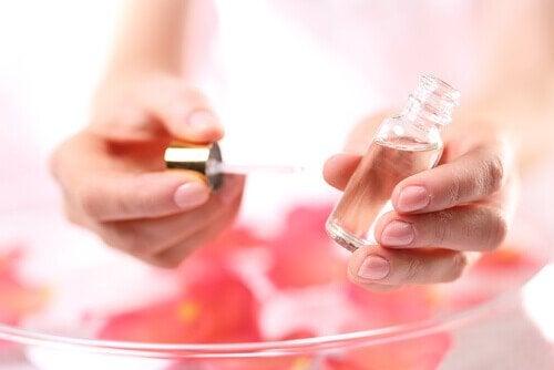 麝香玫瑰油
