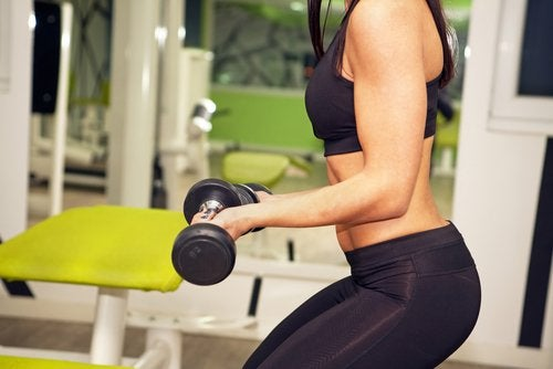 健身時如何才能更有效果,更多重量或更多訓練次數?