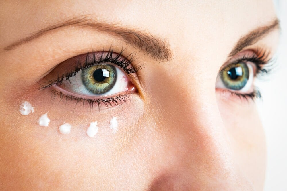 眼部輪廓的眼霜