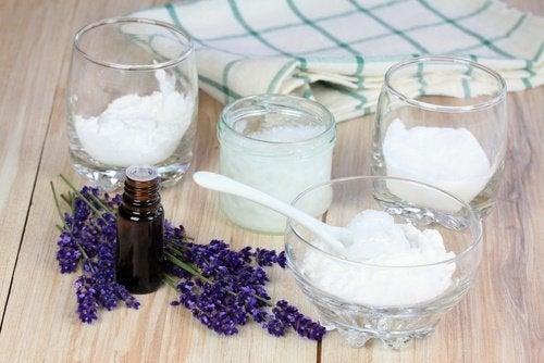 黏土、椰子油和小蘇打體香劑