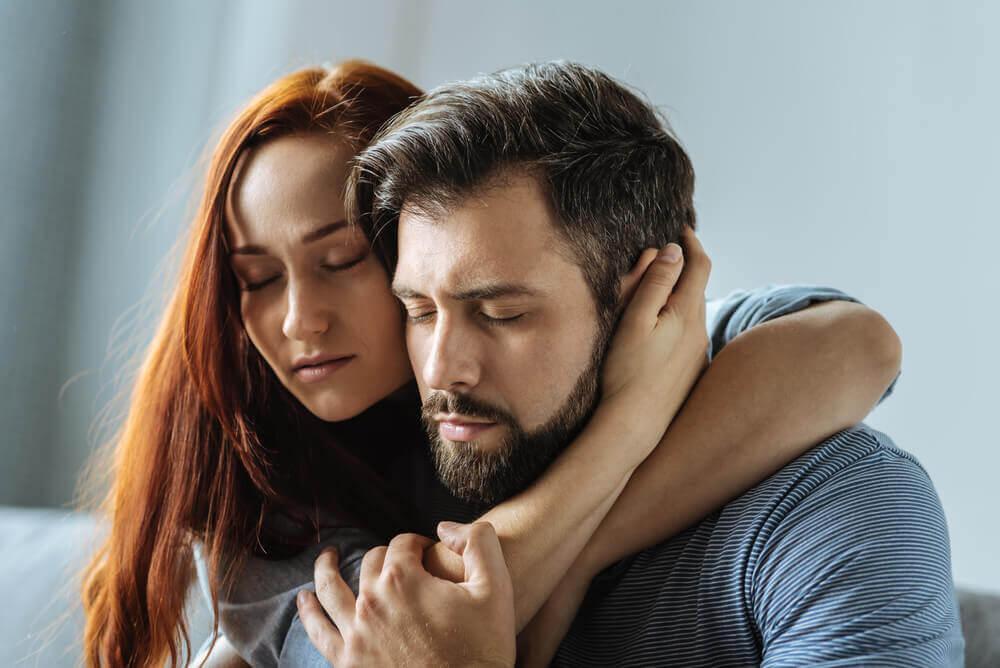 你的伴侶愛你或利用你?