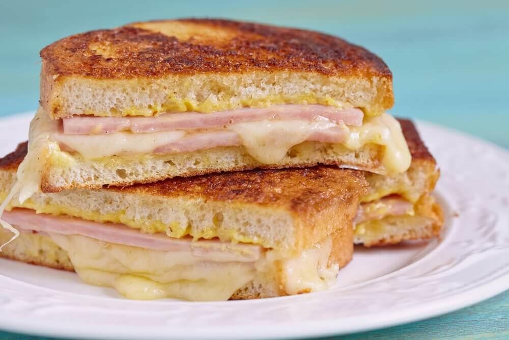 如何製作美味的基督山三明治