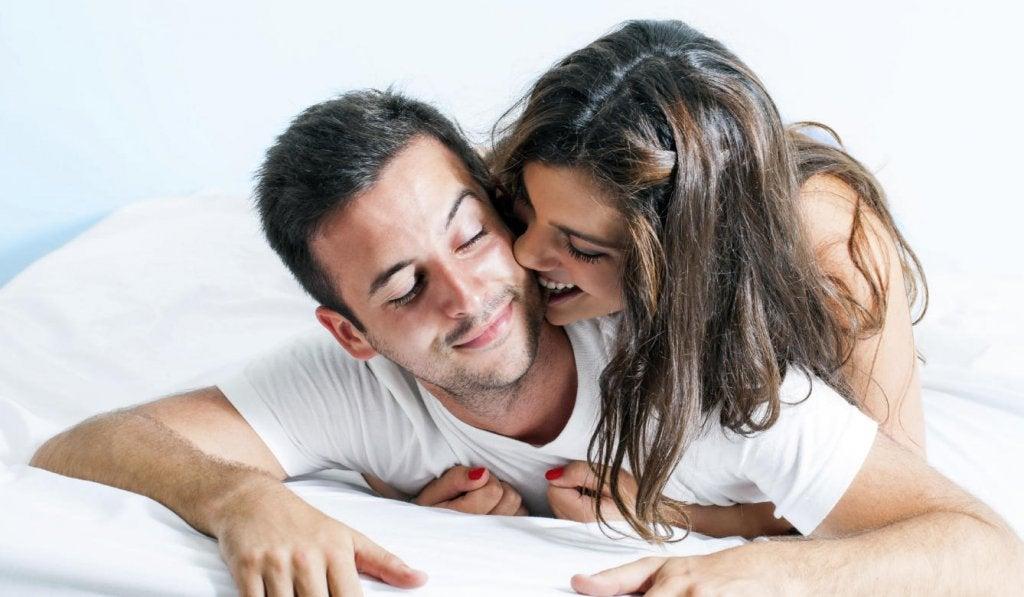 床上的情侶1