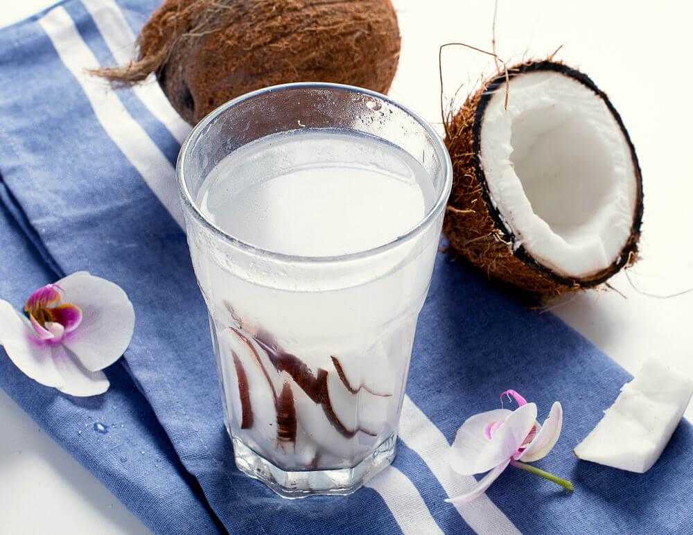 椰子水與椰子