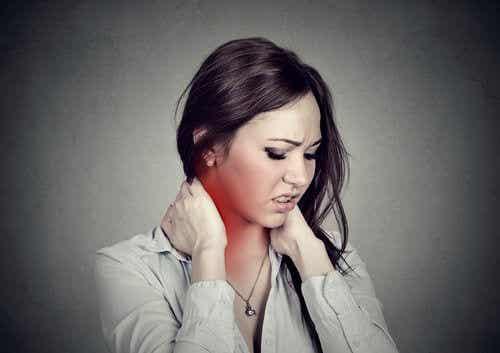 緩解頸部疼痛的4種簡單練習