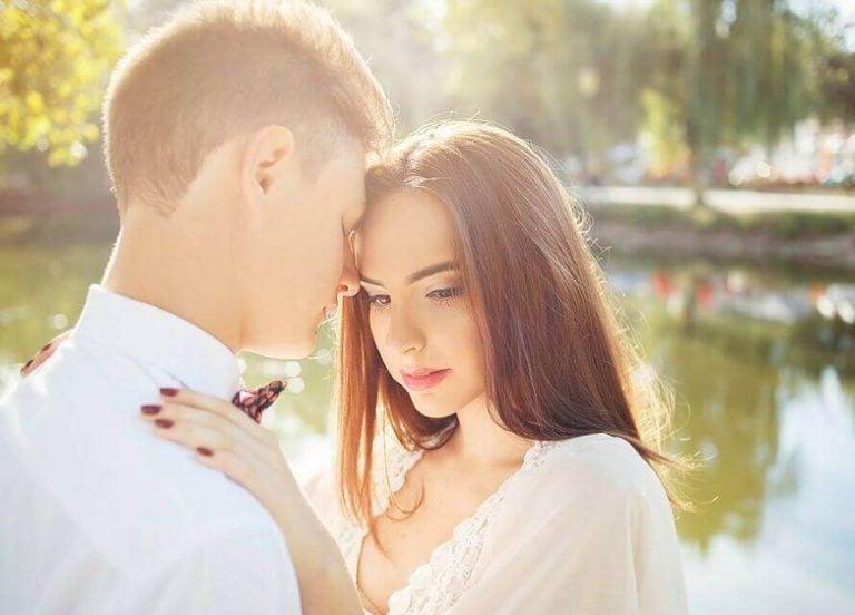 愛上一個已經有伴侶的人