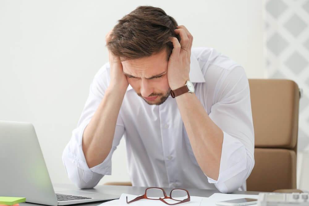 在辦公室頭痛