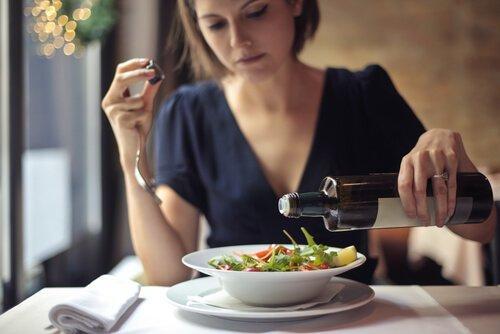 6種你不應該包含在飲食當中的食物