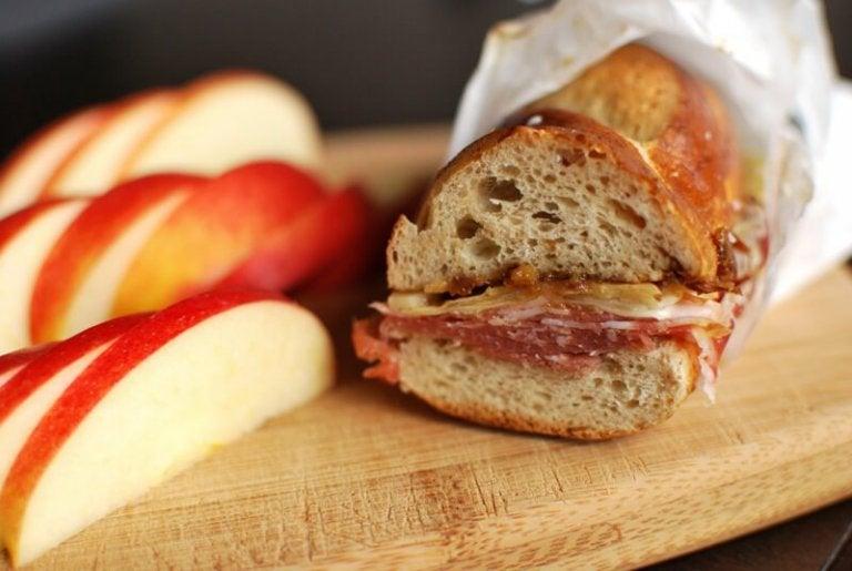 蘋果及三明治