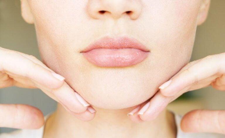 減小雙下巴的5種運動及居家療法