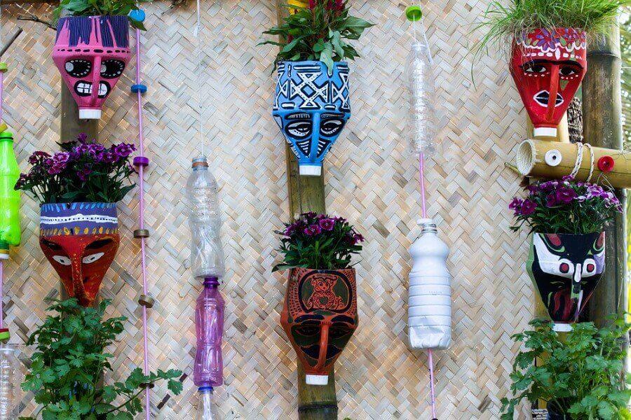 使用回收材料製作這些美麗的盆栽