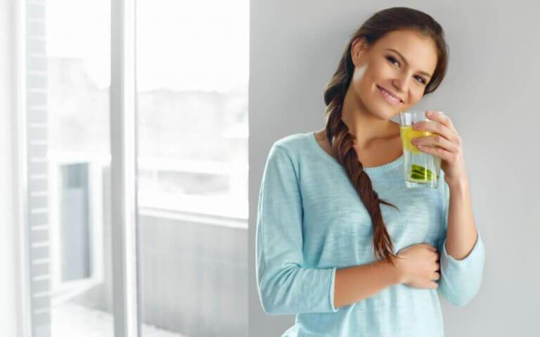 探索驚人的檸檬飲食法及其健康效益