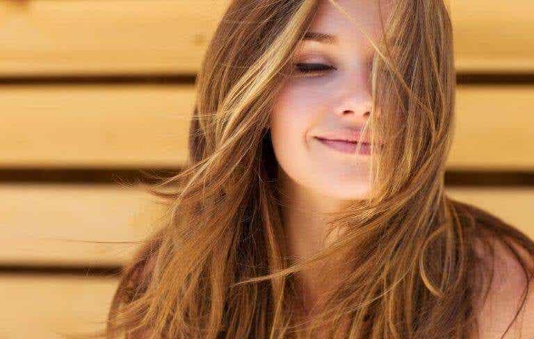 如何擺脫分叉又不損失秀髮的長度