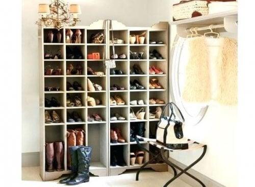學習如何製作這些很棒的鞋櫃