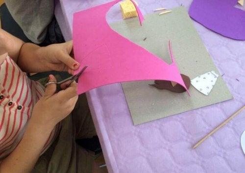 5種泡棉紙製作的簡易工藝品