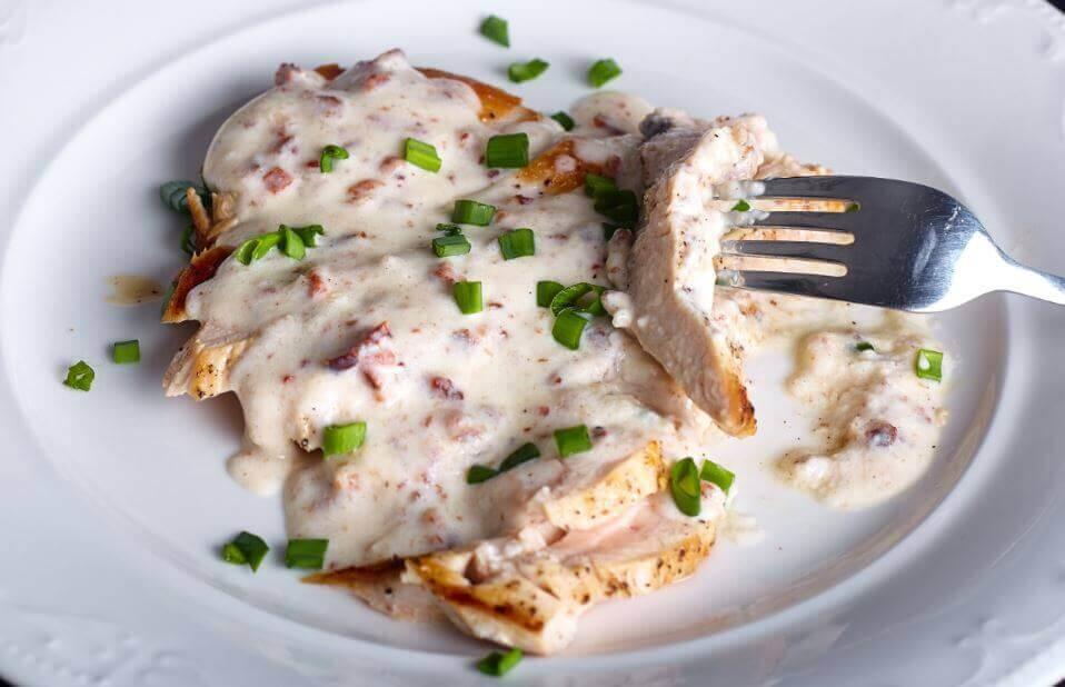 美味的雞胸肉佐起司醬食譜