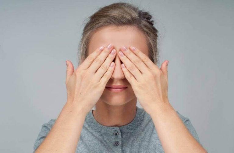 四種眼睛保健運動