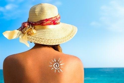 女性曬太陽獲得維生素D