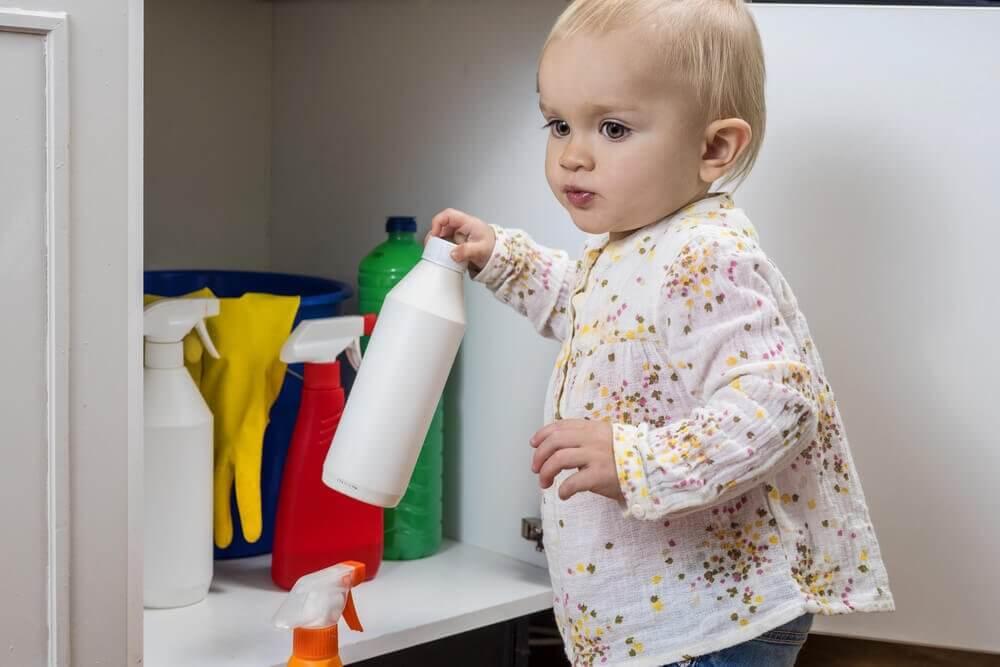 寶寶與化學物品