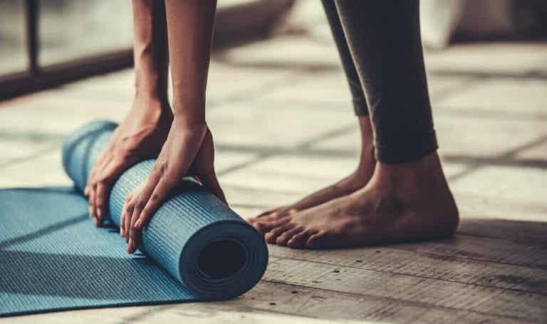 若你柔軟度不是很好,請練習這5種瑜珈姿勢