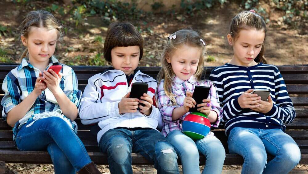 小孩用手機