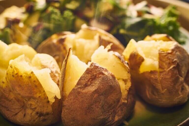 烤出好心情:5道美味的烤馬鈴薯食譜